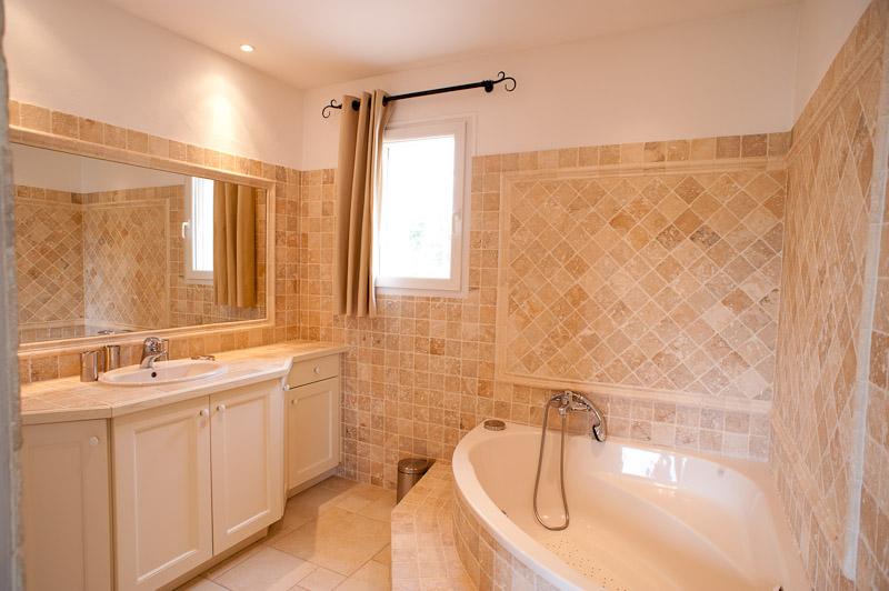 Salle de bains étage/bathroom 1rst floor